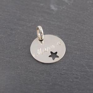 Gravuranhänger aus Silber mit Wunsch Gravur rund mit Stern 16 mm