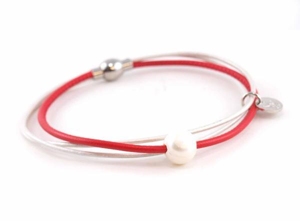 Lederarmband Penelope Süsswasserpele Magnetverschluss Nappaleder, Gravur möglich, die Geschenkidee für Frauen, Farbe Rot