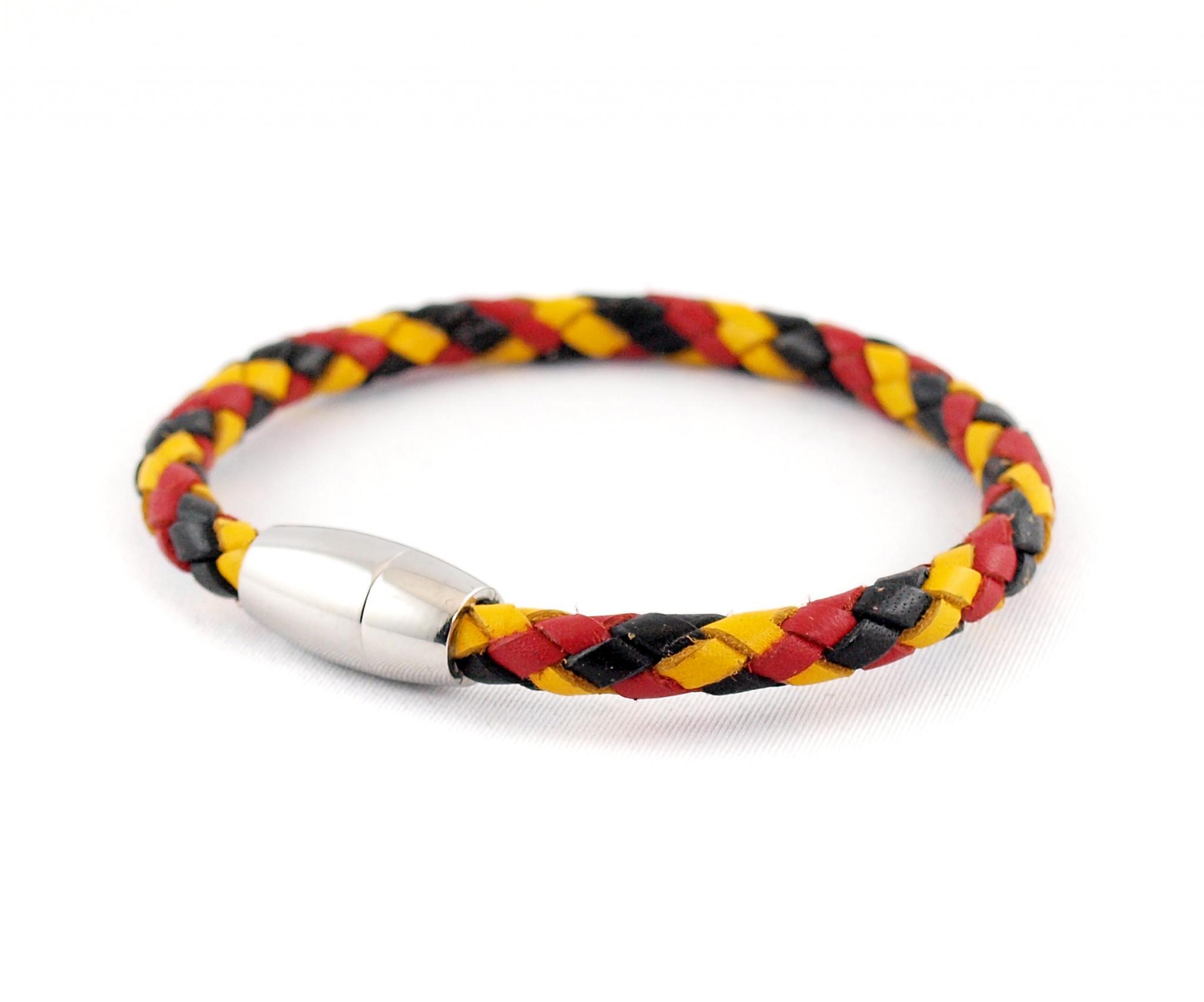 Luca-geflochtenesLederarmband-Edelstahlmagnet-schwarz-rot-gelb, wm, fanarmband