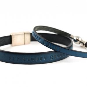 Partnerarmband P1 Lederband Damen und Herren mit Wunschtext blau
