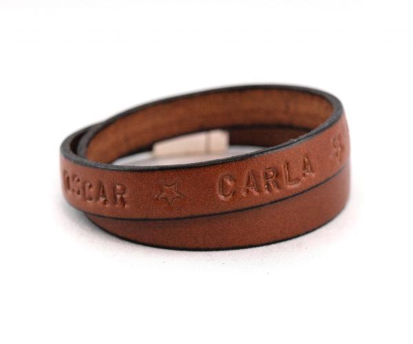 Lederband für Herren, Gravur, Wunschtext, Magnetverschluss, braun zweifach gewickelt.