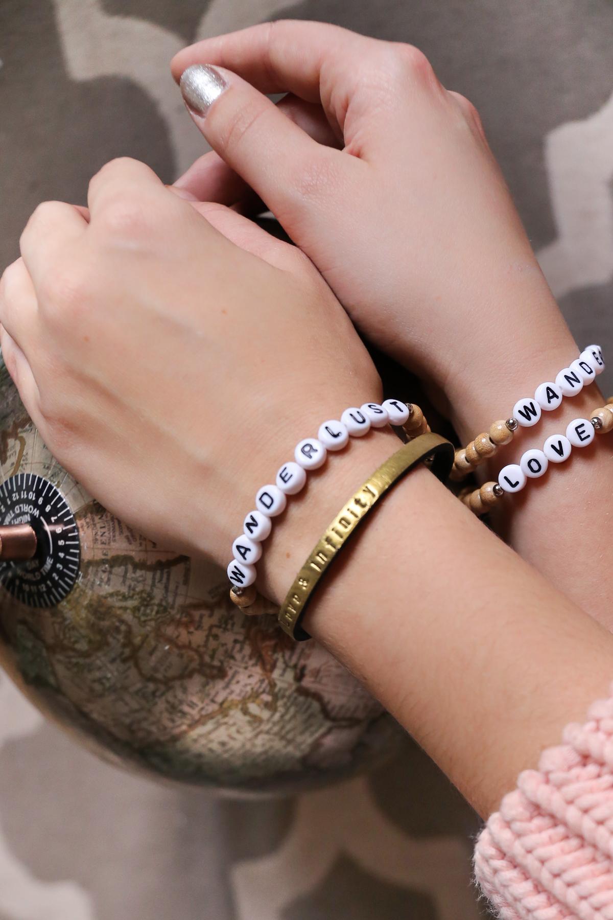 Armbänder mit Wunschtext
