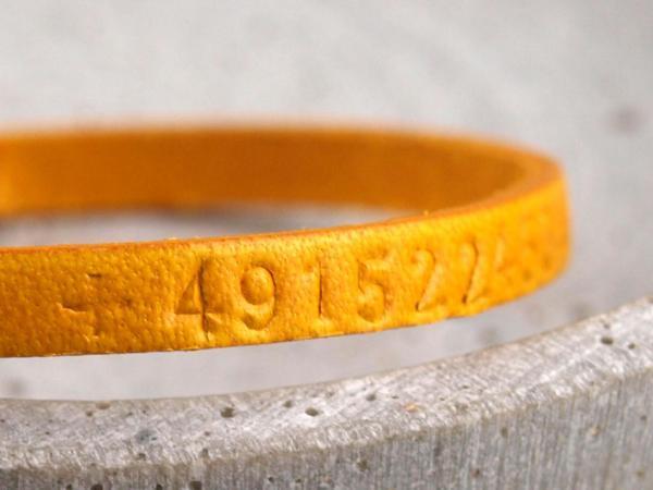 SOS Armband in Gelb mit Telefonummer
