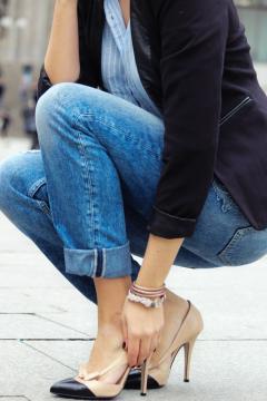 Die besten Accessoires und Schmuck zum Denim Jeans Trend