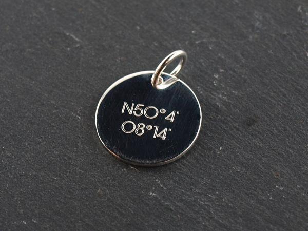 16 mm oder 19 mm Gravuranhaenger mit Breitengrad Gravur 925er Silber