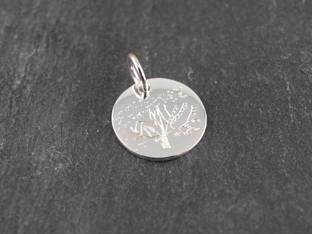 Gravuranhänger mit Wunschtext 16 mm mit Kinderzeichnung Silber