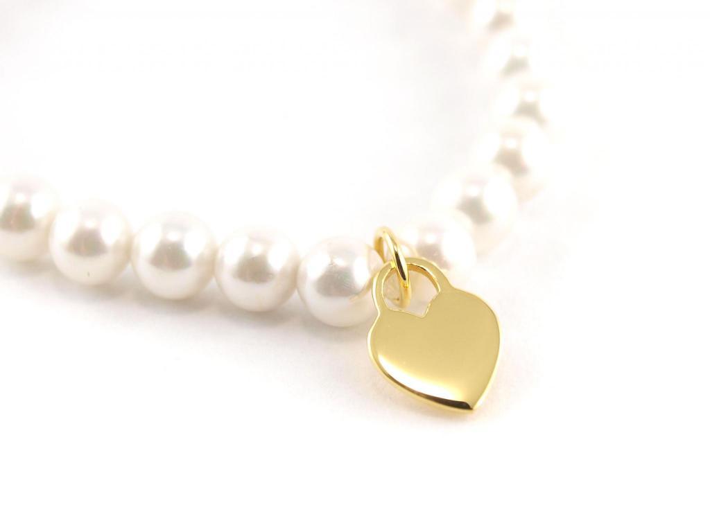 Perlenarmband 6 mm mit Herz Anhänger gold