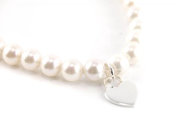 Perlenarmband 6 mm mit Herz Anhänger silber