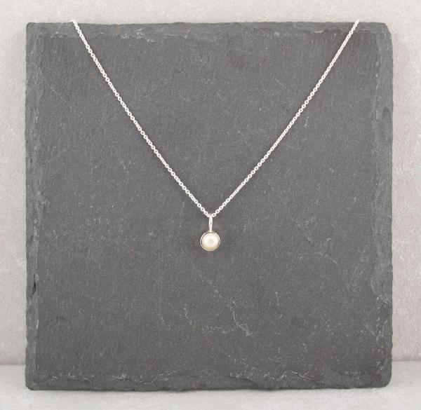 Silberanhänger mit Perle inklusive filigraner Kette
