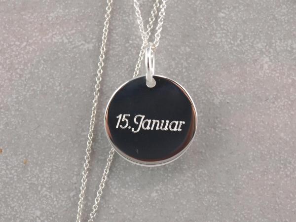 Silberanhaenger 16 mm rund mit Datum Gravur