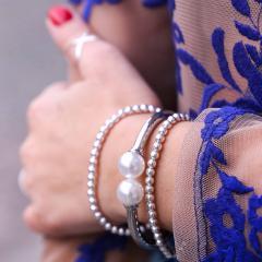 Silberarmbänder mit Perlen