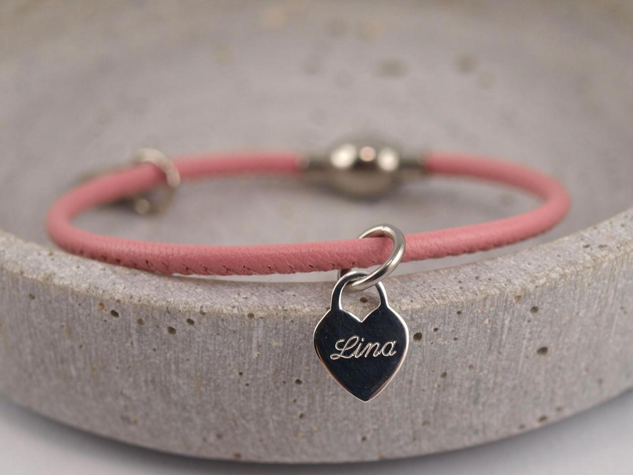 Ella Filigranes Lederarmband mit Gravur Herz persoenliche Geschenkidee Nappaleder rosa