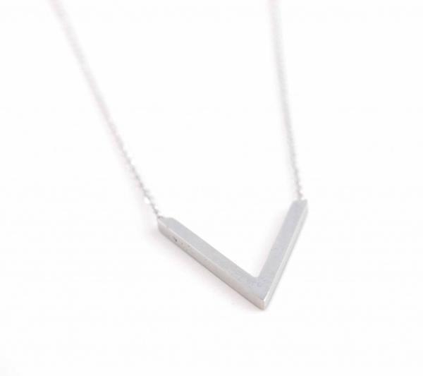 Halskette aus Edelstahl V-Form silber
