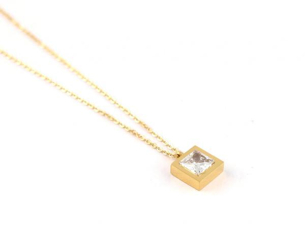 Halskette aus Edelstahl mit quadratischem Anhaenger gold