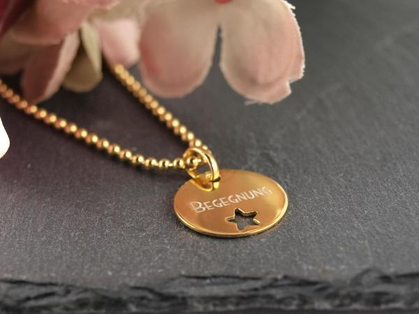 Kette Gold mit Anhaenger mit ausgestanztem Stern