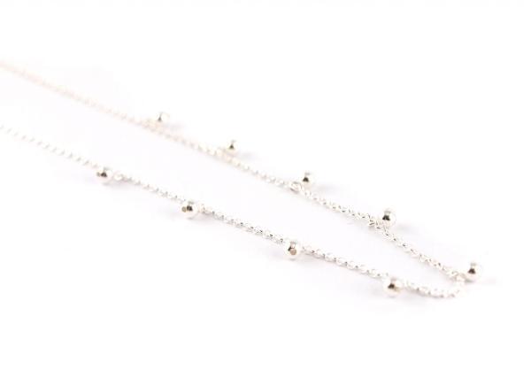Silberkette mit hängenden Kügelchen, silber