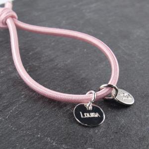 Elastisches Armband mit Gravuranhaenger Silber 11 mm rund, rose