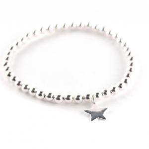 Perlenarmband Silberkugeln elastisch mit Stern Anhänger