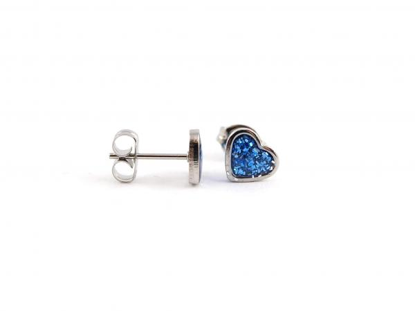 Ohrringe aus Edelstahl mit Glitzerherz blau