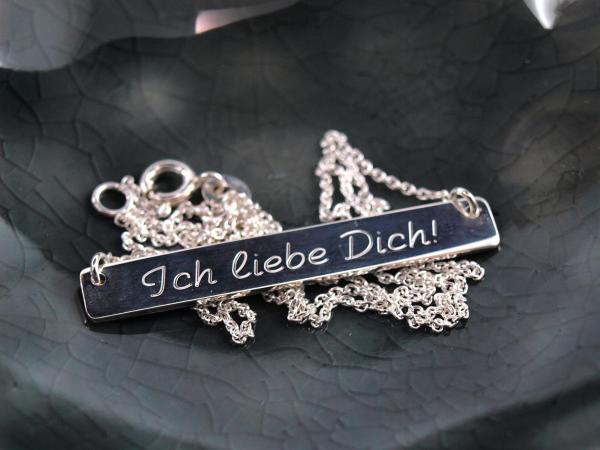 Silberkette mit Gravuranhänger, Namenskette