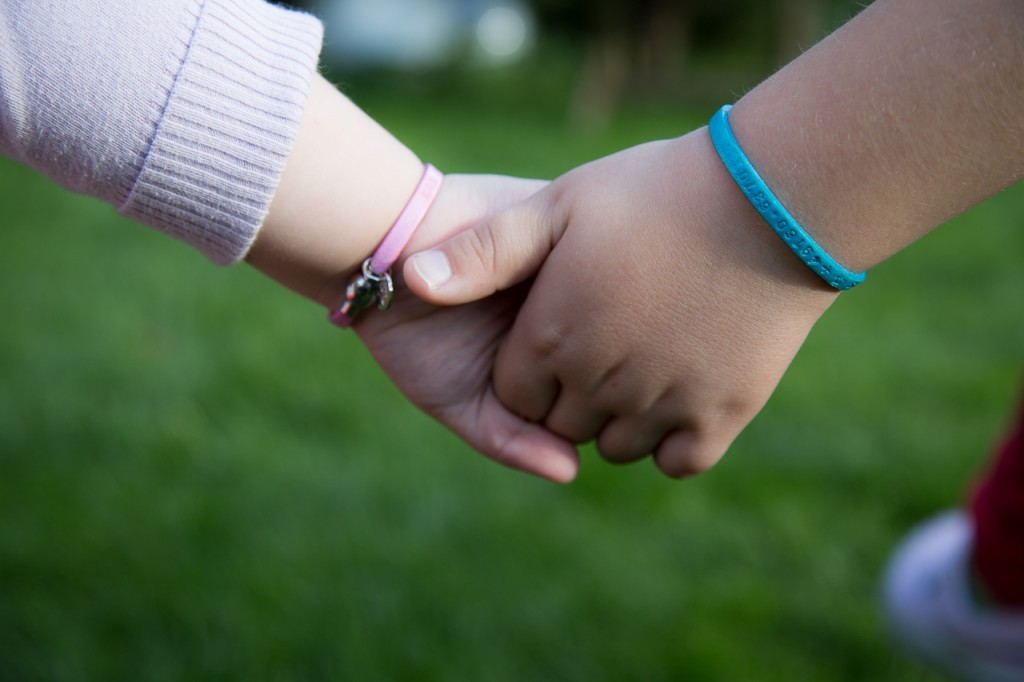 Die sinnvolle Geschenkidee für Kinder SOS Armband mit Telefonnummer