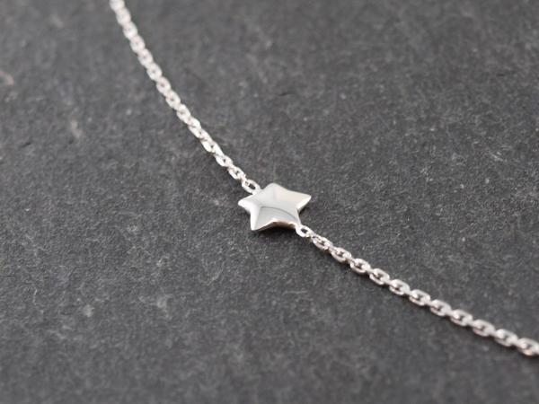 Feines Silberarmband Karabiner kleiner Stern