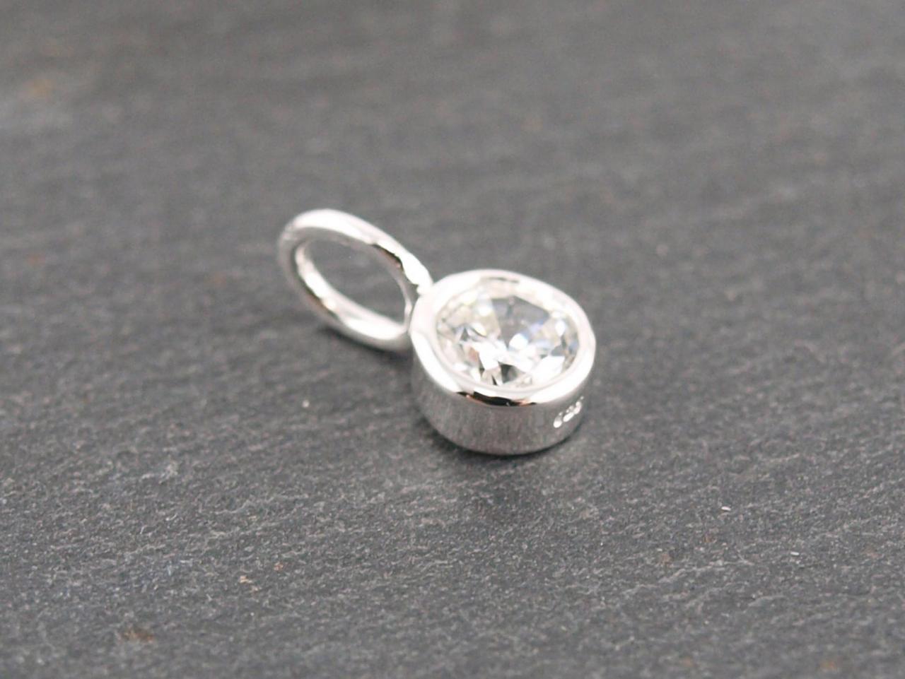 Kristall, Crystal, April Geburtssteine, Edelsteine, kleiner Anhaenger fuer Kette oder Armband, die Geschenkidee