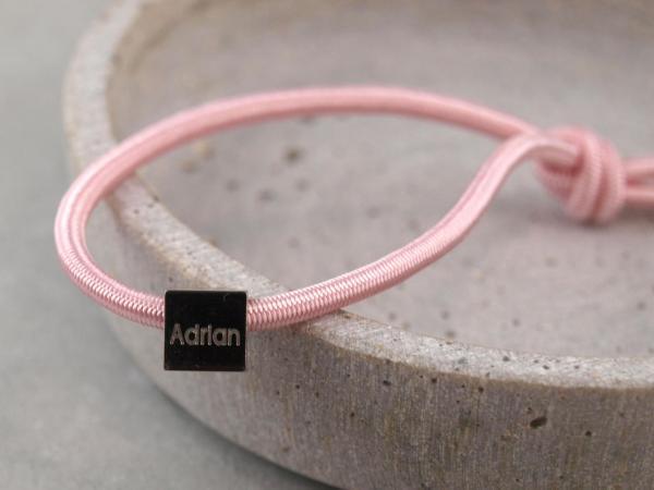 Elastisches Armband mit Gravur Edelstahl Würfel und 925er Silber rosa