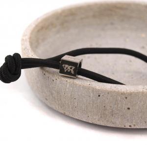 Elastisches Armband mit Gravur Edelstahl Würfel und 925er Silber schwarz