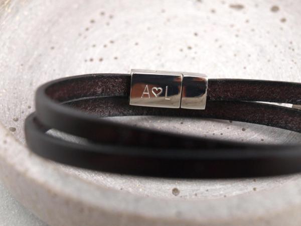 Nici Lederarmband mit Gravur Riemen u Verschluss Farbe schwarz innen graviert