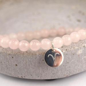 Rosenquarz Perlen Armband mit Gravur Anhaenger
