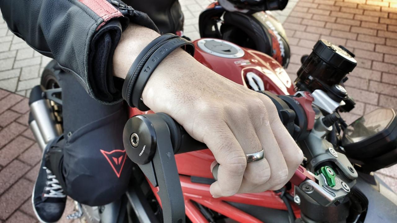 Geschenkidee Maennergeschenk, Armband mit Gravur aus Leder
