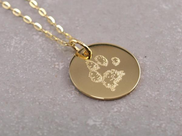 Echt goldener Anhaenger 14 mm mit individueller Gravur Pfote