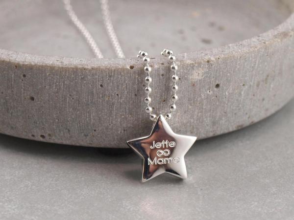 Stern mit Gravuroption mit Kugelkette
