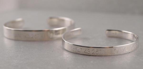 Armspange breit und schmal aus Silber mit Gravur Option als SET Freunschaftsarmband die Geschenkidee