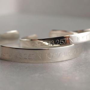 Armspange breit und schmal aus Silber mit Gravur Option im SET Freunschaftsarmband die Geschenkidee