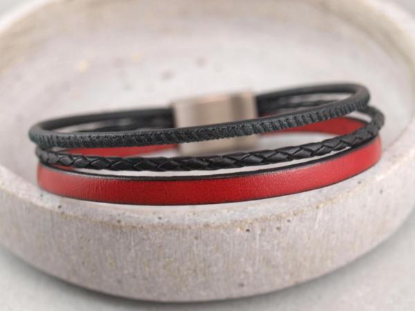 Multicolor Charlie mit Edelstahlmagnetverschluss rot-schwarz