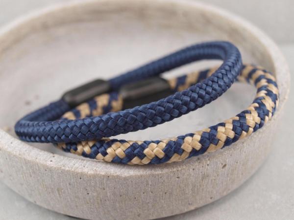 Ari Blackedition Segeltau Armband mit Gravur Option dunkelblau royal sand
