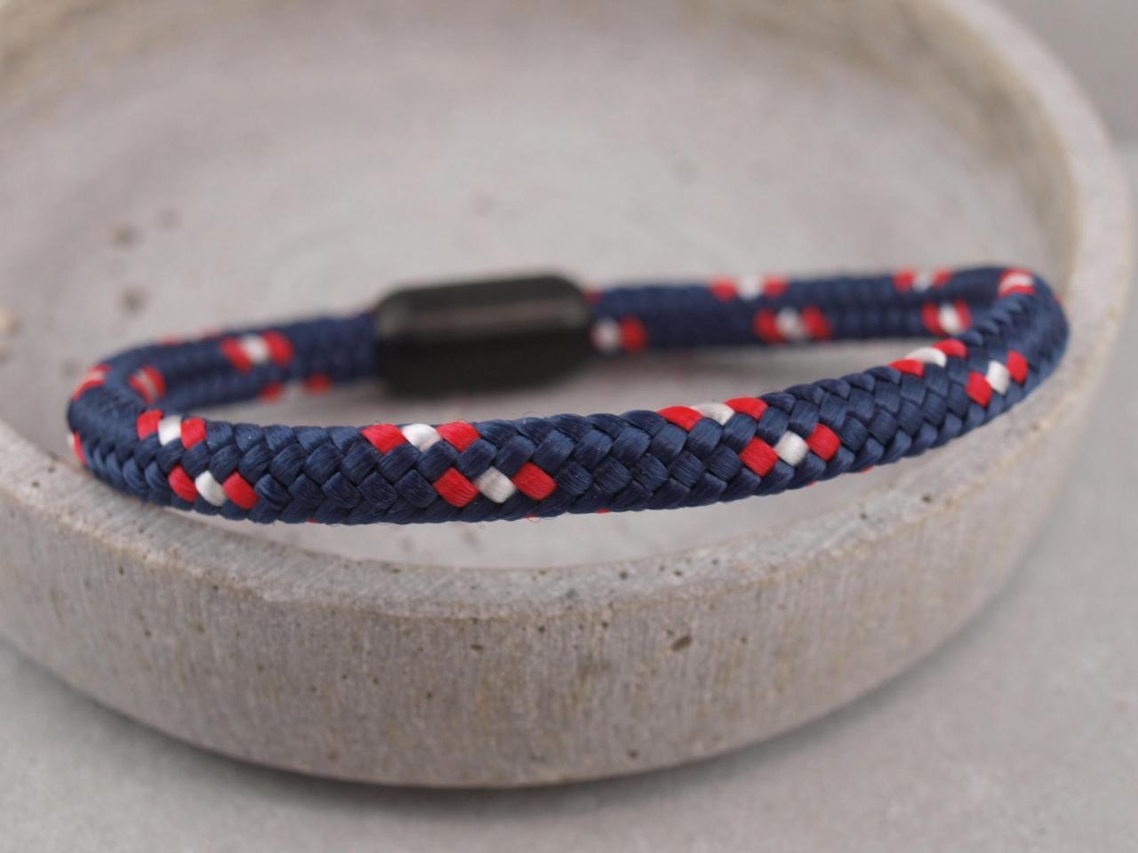 Ari Blackedition Segeltau Armband mit Gravur Option marine