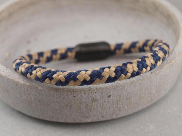 Ari Blackedition Segeltau Armband mit Gravur Option royal sand
