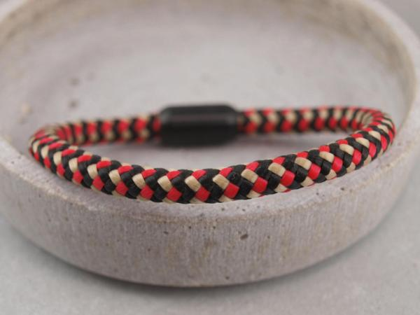 Ari Blackedition Segeltau Armband mit Gravur Option schwarz rot gelb