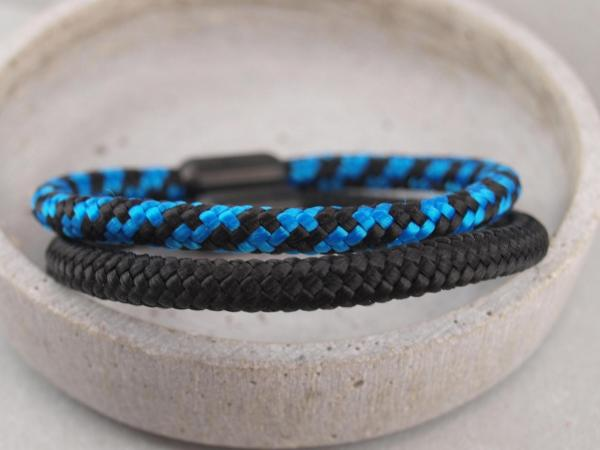Ari Blackedition Segeltau Armband mit Gravur Option schwarz und royal