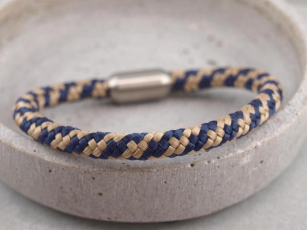 Segeltau Armband mit Gravur Option Geschenkidee fuer Mann blau beige