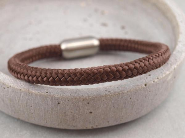 Segeltau Armband mit Gravur Option Geschenkidee fuer Mann braun