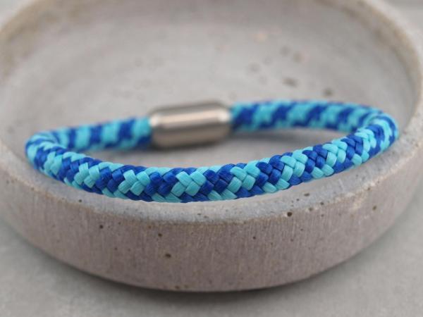Segeltau Armband mit Gravur Option Geschenkidee fuer Mann hellblau