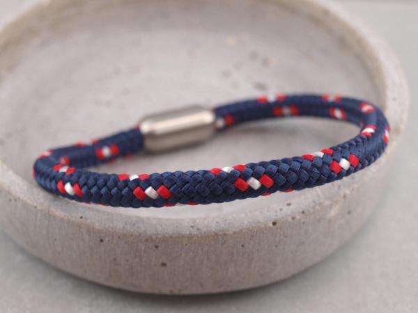 Segeltau Armband mit Gravur Option Geschenkidee fuer Mann marine