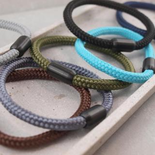 Segeltau Armband mit Gravur Option grosse Farbauswahl einfarbig die Geschenkidee fuer Mann