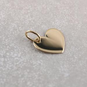 Asymetrischer Herzanhaenger aus 333er Gold, Gravur moeglich