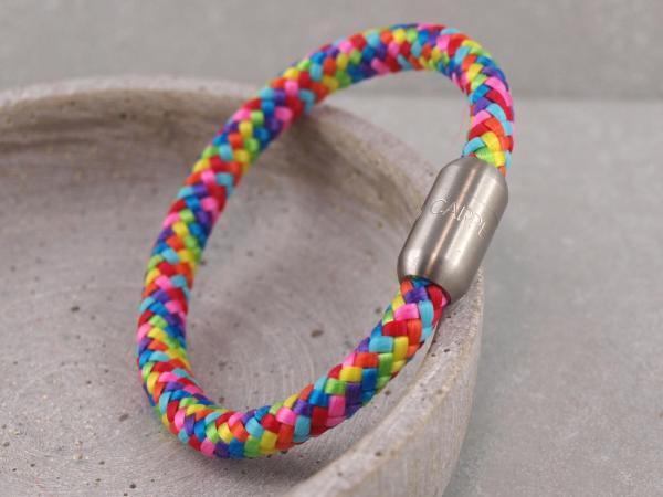 Segeltau Armband Ari gravierbarere Magnet bunt