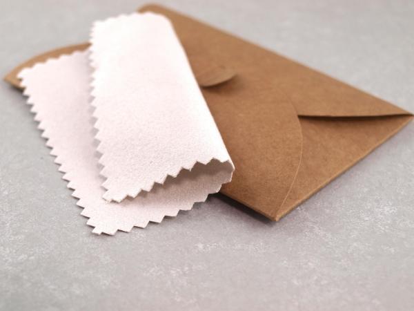 Slberputztuch 8 x 8 mm mit Verpackung